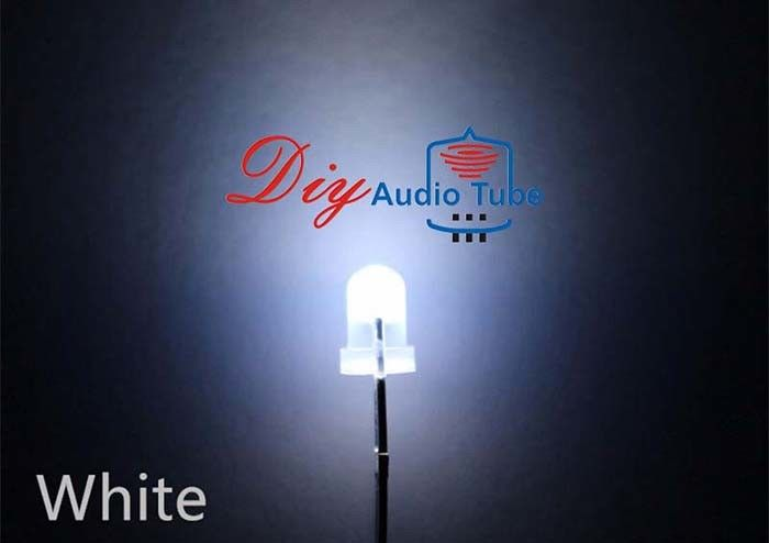 3MM Diffused White LED Diode 3000 - 800K Wavelength For Taffic / Singnal Light